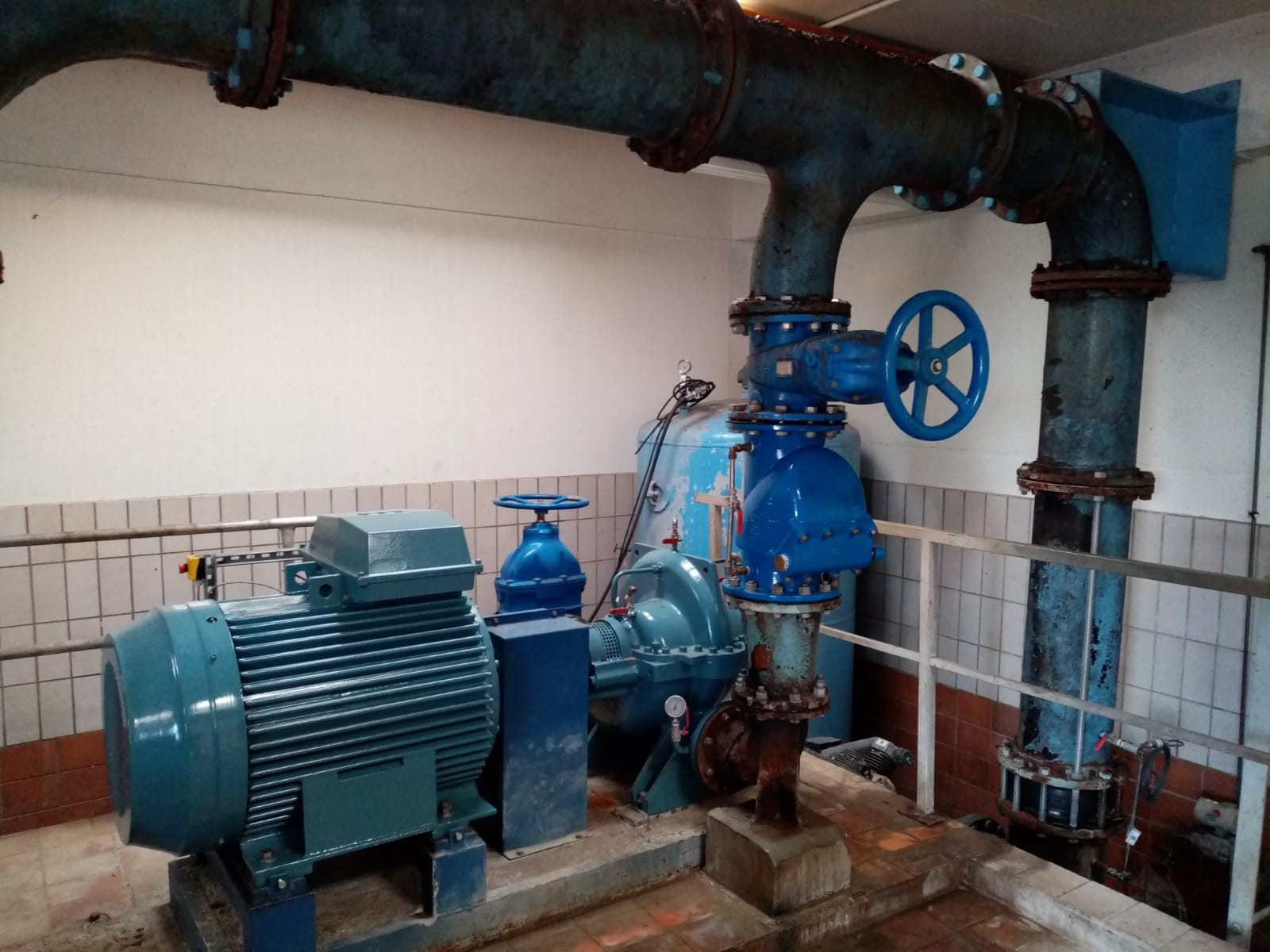 Pump with AVK pressure management device, saving 22 hours of pumping each day